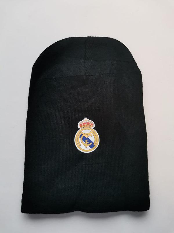 Акриловая шапка черная Реал Мадрид