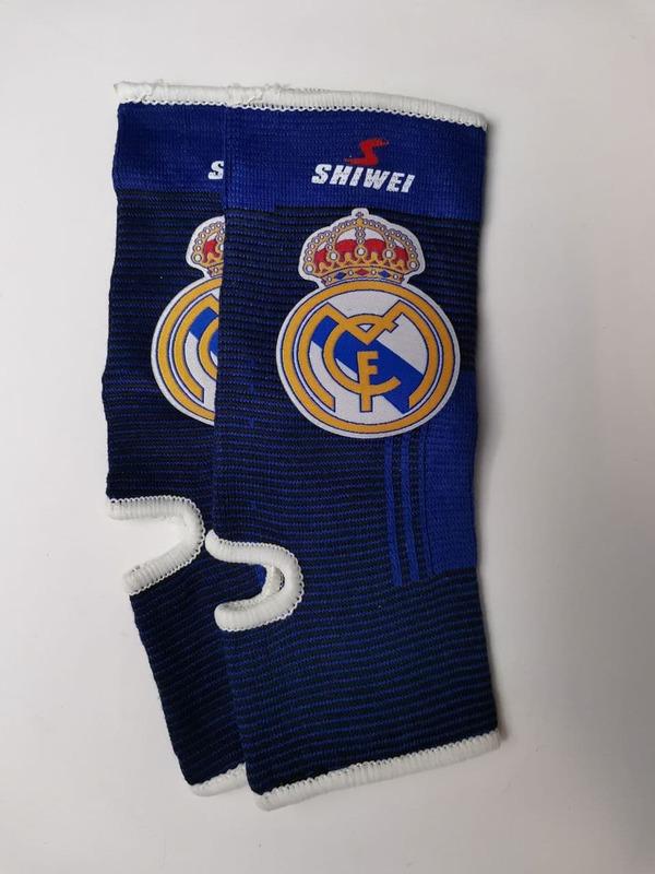 Футбольные бандажи на голень Реал Мадрид